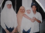 poto dengan seragam SMP, dari sebelah Kiri (Neng Dewi, Juju, Dewi Fatmawati, Rina)